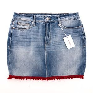 GOOD AMERICAN Pom Pom Mini Denim Skirt
